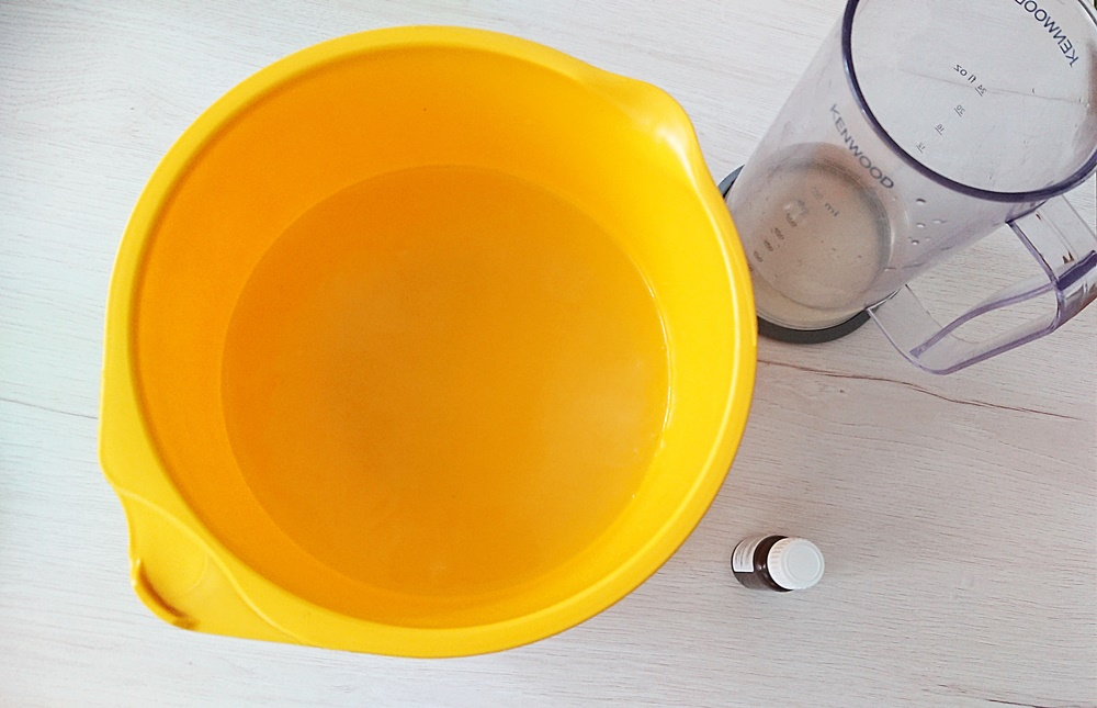 Ekologiczny płyn do płukania tkanin - po wymieszaniu.