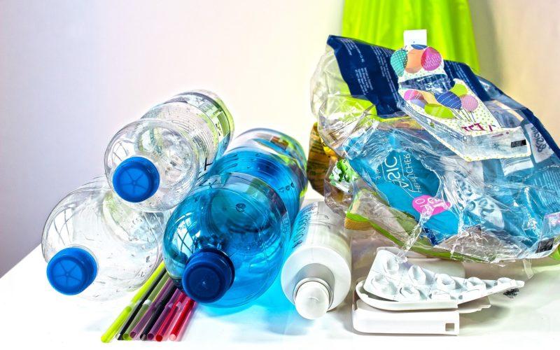 Plastikowy śmieć. Reuse