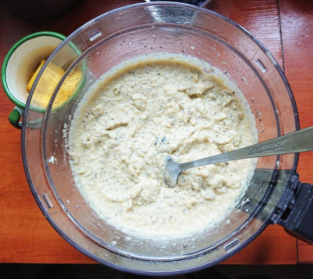 Torcik orzechowy z mango, przygotowanie kremu